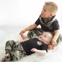 2017 New summer baby jongen  kleding Pasgeboren Casual Army green mode Korte Mouw t-shirt + trousers 2 pcs set