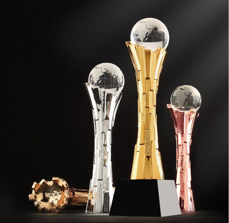 High quality!DIY Creativity Award Crystal Trophy Creative High-grade Metal Resin Trophy,Free shipping! metal trophy with a crystal earth international competition award cup oscar trophy golden ball award