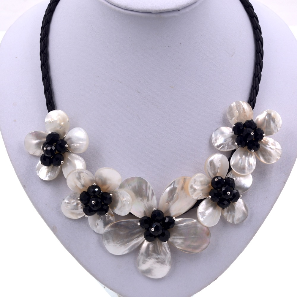 Exclusive Black Crystal White Sea Shell 5 Flowers Choker Necklace New Fashion Jewelry Dress Accessories
