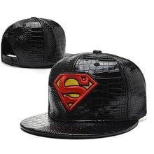 Nueva Marca Superman gorras para hombres y mujeres faux cuero estilo de  béisbol al aire libre unisex snapback sombreros casuales. db022ef236b