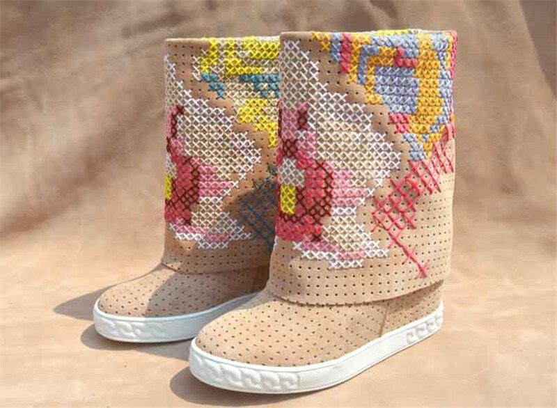 Nouvelles femmes hiver broderie talons compensés mi-mollet bottes Slouch sans lacet bout rond gladiateur chaussons dame Design robe chaussures femmes