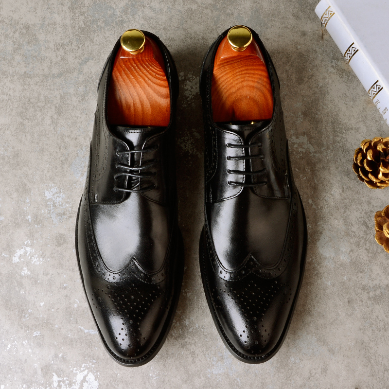 Men Dress Shoes Brogue Genuine Leather Handmade Comfortable Breathable Carved Wedding Shoes Causal Men Business Shoes for SummerMen Dress Shoes Brogue Genuine Leather Handmade Comfortable Breathable Carved Wedding Shoes Causal Men Business Shoes for Summer