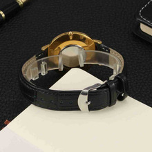 Stylish Round Shaped Customized Quartz Wristwatch
