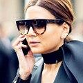 Senhoras de luxo 2017 Óculos De Sol Das Mulheres Designer de Marca Do Vintage Retro Rebite Glassses Sol para As Mulheres Oculos Luneta Femme Feminino