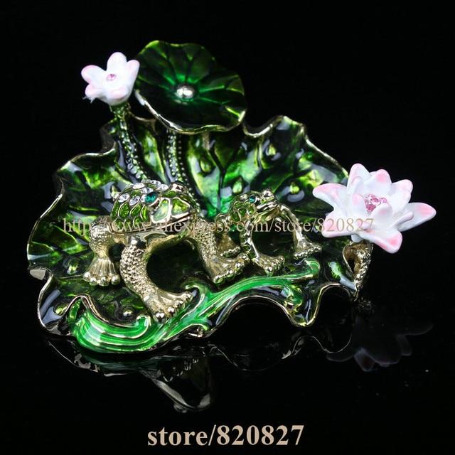 NEW 2 Frogs Sitting on Lotus Decoration Art Design Jewelry Box Czech