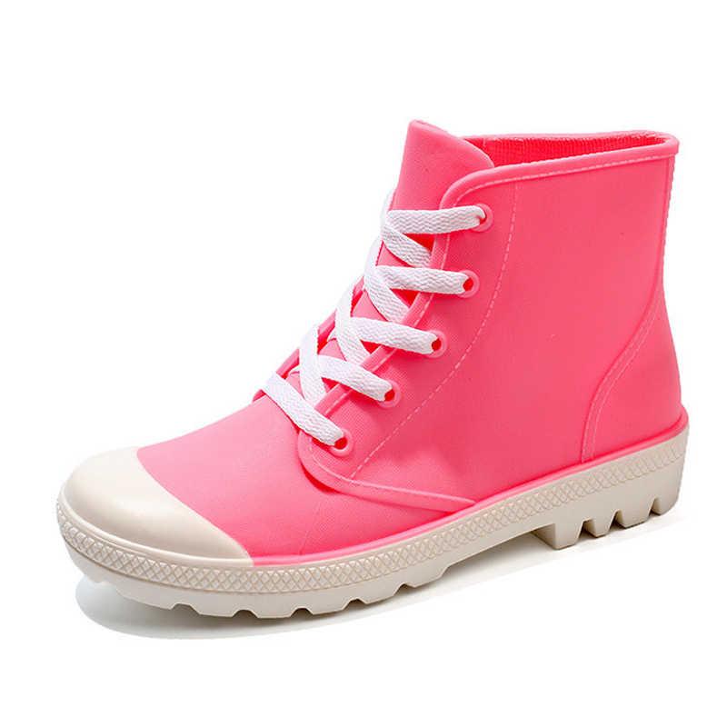 TOPUK GRAND 2018 yağmur çizmeleri Şeker Renkleri Platformu Kadın yarım çizmeler Dantel-up moda ayakkabılar Kadın Pembe Flats Ayakkabı 5 Renkler XWD6644