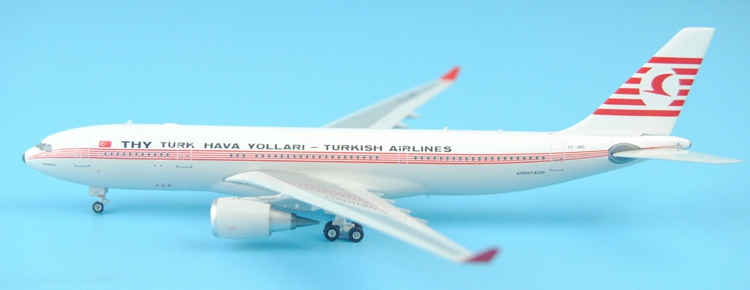 Special offer Phoenix 1/400 11267 Turkish Airlines  A330-200 TC-JNC Retro painted Alloy aircraft model Collection model Holiday bbox200 1 200 american frontier airlines boeing 737 200 aircraft model n1pc alloy collection model