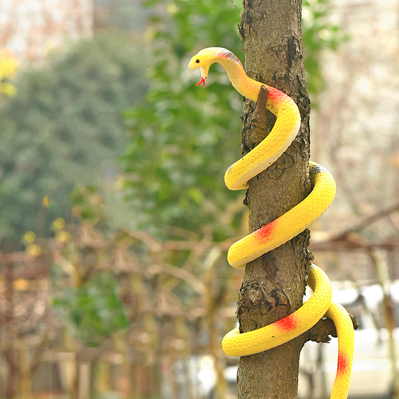 Children soft rubber snake toy novelty pranks practical jokes realistic fake snake animal model scary toys gift garden props