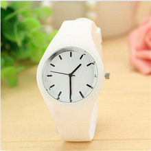 Durable watch Women Leisure Watches for chirdren Sports watch Candy-colored 12 Colors Jelly Silicone Strap Leisure Watch