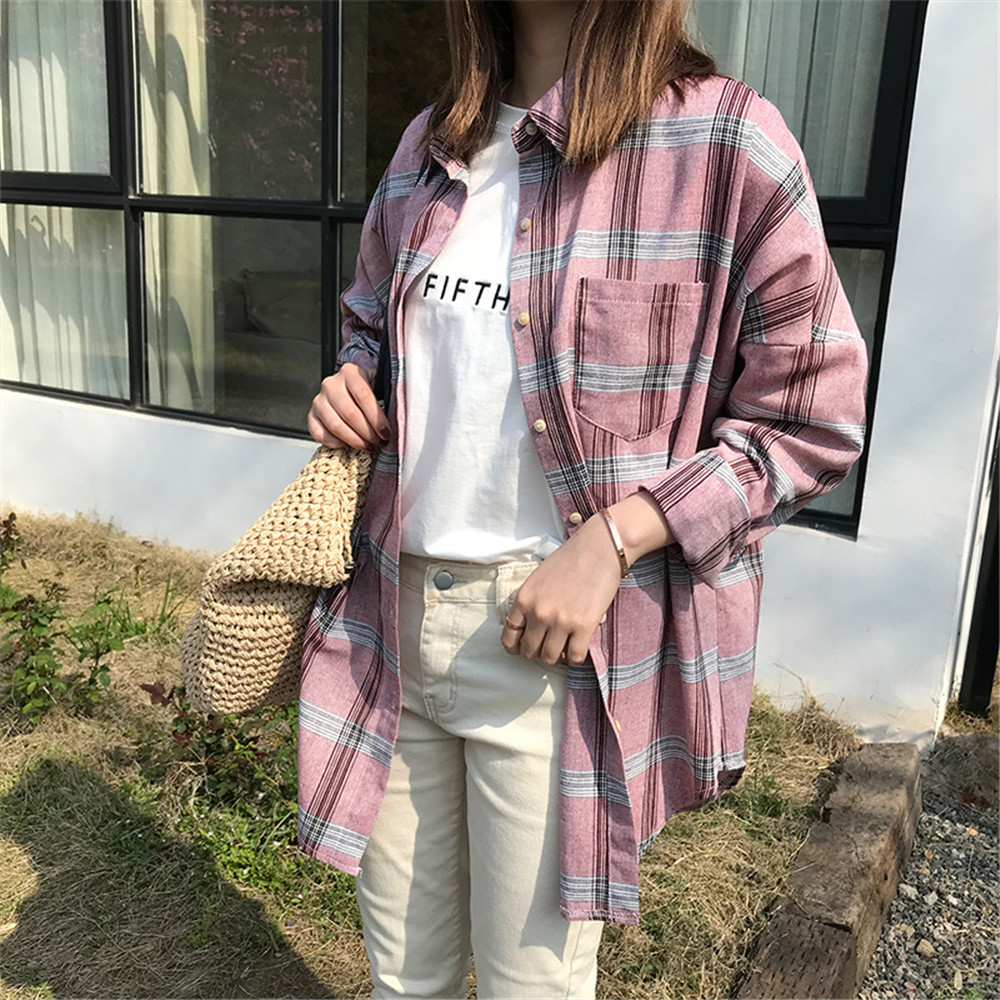 Big Loose women plaid blouses shirts 2018 Women Office Air Conditioner Blouse Shirt Female Outerwear Casual Pocket Shirts (35)