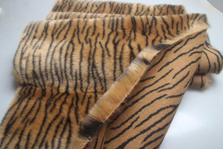 Mode tigre fourrure tapis canapé coussin laine tissu pour manteau textiles à la main patchs partie Jacquard tissu épais sequin tissu A353