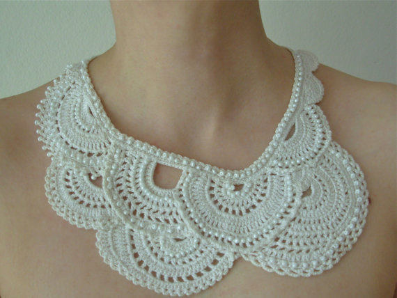 Crochet vintage necklace, beaded, Choker in ivory White, Wedding, Bridal, Victorian, Romantic, boho chic 2 pcs/lot