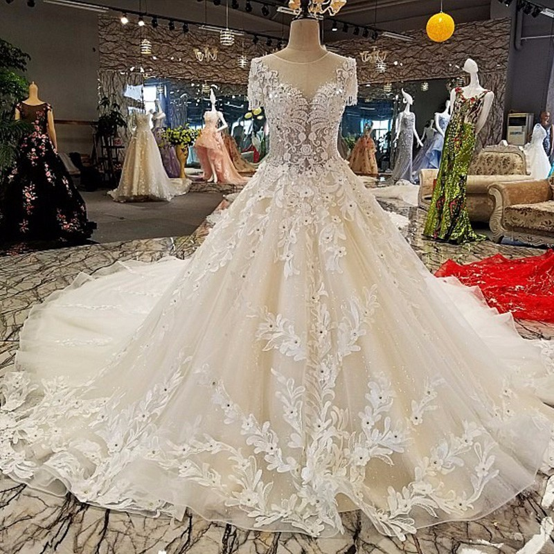 Nobel Robe Wedding Dress 2018 Custom Made Lace Appliques A-Line Sexy Illusion Embroidery Hem Cap Sleeve Plus Size