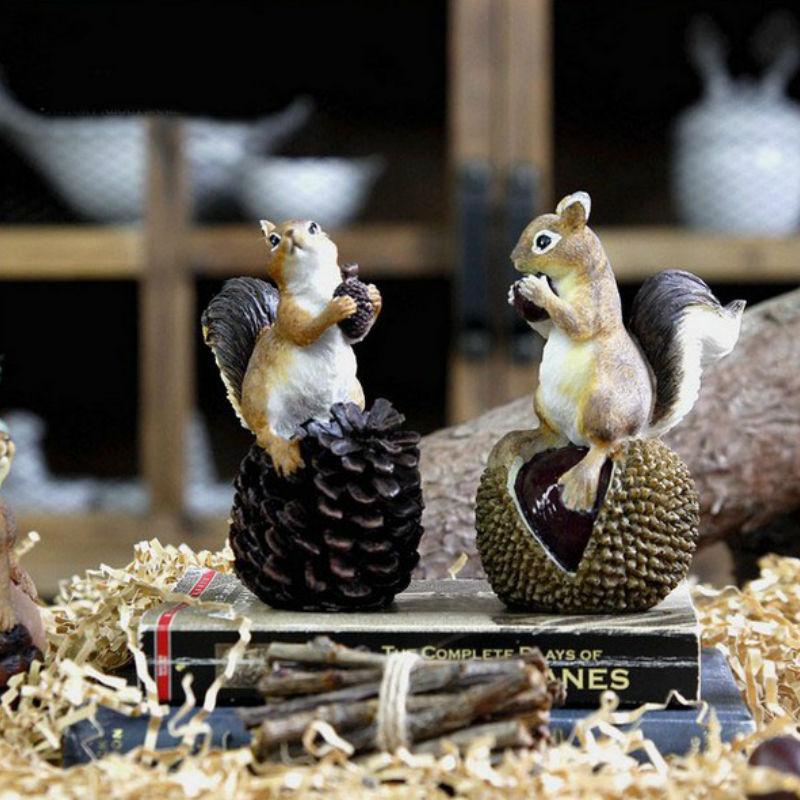 Ameriška podeželska smola veverica z oreščki Umetne figurice - Dekor za dom - Fotografija 1