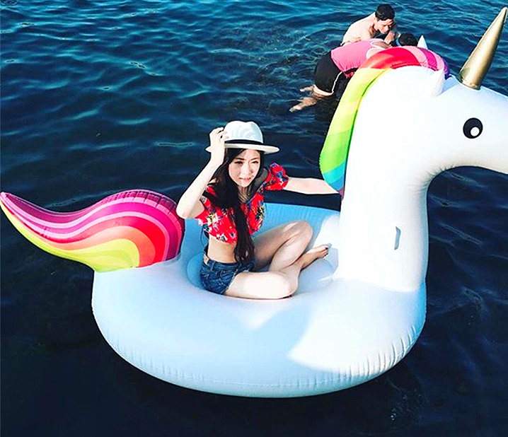 Rainbow Unicorn Pegasus mounts inflatable water floating bed floating row inflatable water toy swimming circle flamingo white swan inflatable swimming mounts on water floating bed floating row unicorn adult swimming ring