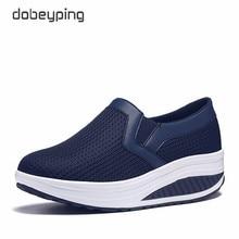 女性のスイング靴エアメッシュ女性ローファーフラットプラットフォーム女性靴カジュアルウェッジレディース靴高さの増加靴