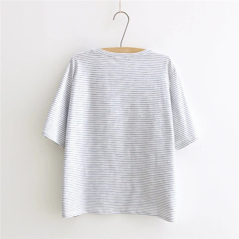 322885ac825d Summer 2018 Harajuku kawaii Women Cotton Top O Neck striped Whale water spray  printed T Shirts base Loose cute lady T shirts-in T-Shirts from Women s ...