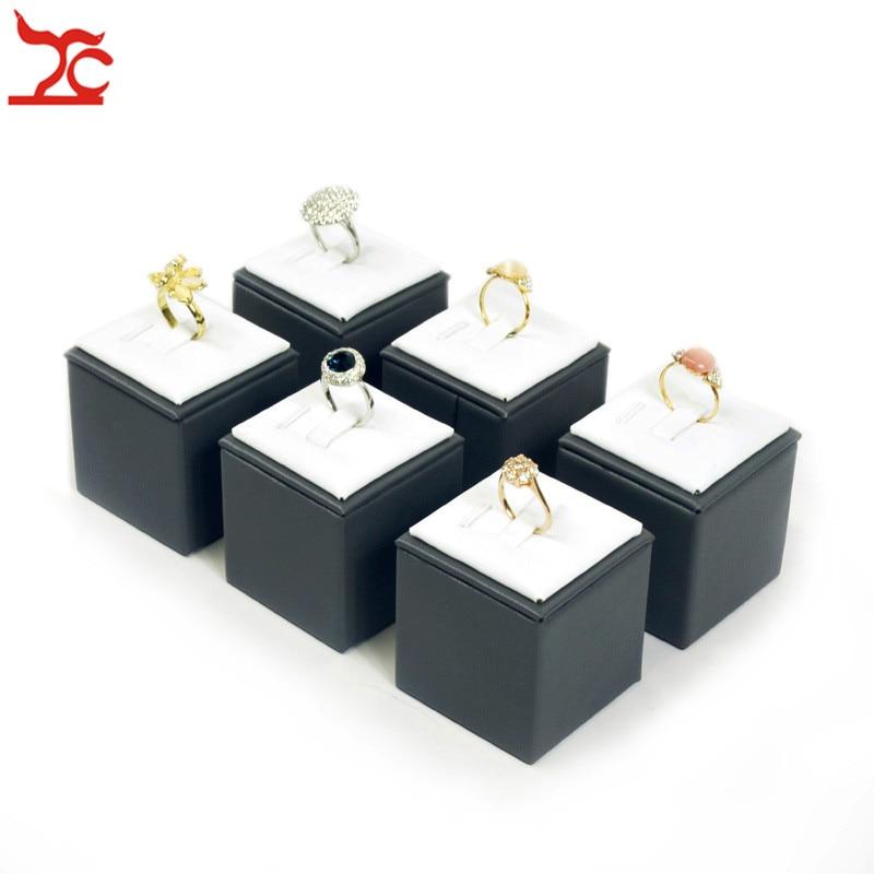 Wholesale Vertical PU Jewelry Display Tower Grey White Ring Organize Holder Luxury Wedding Engagement Diamond Ring Display Stand