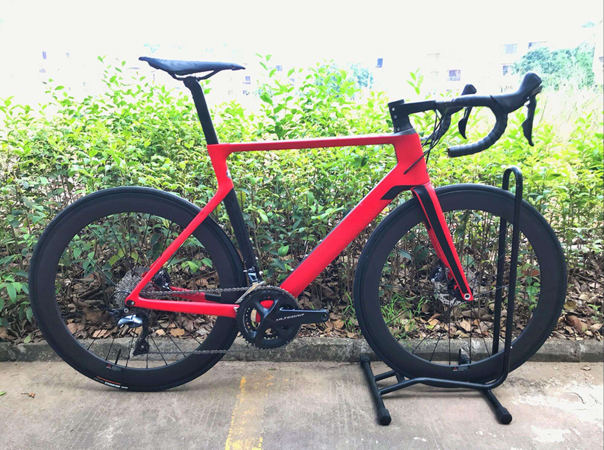 2019 carbon road DISC bike complete bicycle carbon BICICLETTA bicycle with bike group R8000 R7000 carbon wheels(China)