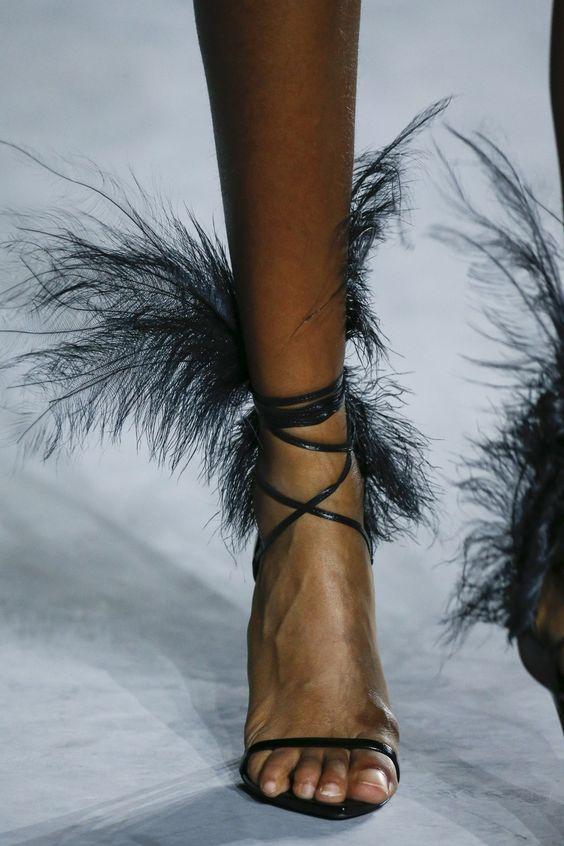 Cuir Plume De Valentina Mode Mince Sandalias Courroie Gladiateur Conception Hauts Noir En Sandales Dames Femmes Pompes Talons D'été Chaussures 5qwtg48