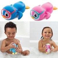 Pinguins Clockwork natação, crianças de banho, brinquedos salpicos, brinquedo casa de banho, presentes de natal para os bebês