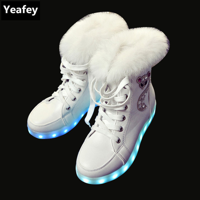 7ca0555815e875 Yeafey Krasovki baskets lumineuses Led femmes hiver renard diamants chaud  fourrure Shoese hiver automne Led chaussures