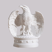 Nordic Modern Eagle Statue Home Decoration Accessories Resin Crafts Sample Model Simulation
