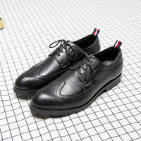 Hot Sale Formal Men Brogue Shoes British Vintage Pointed Toe Bullock Carved Leather Shoes Fashion Spiked
