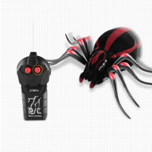 купить Remote Control Realistic Fake Spider RC Animals RC Prank Insect Scary Trick Toy Halloween RC Tricky Prank Scary Toy gift дешево