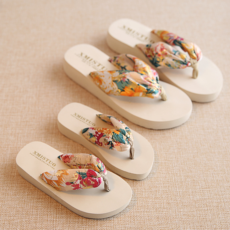 Girl and Mother Matching  Beach Slippers Bohemia Parent Hand Drag Flowers Non-Slip Summer Slipper Holiday Travel Beach Shoes
