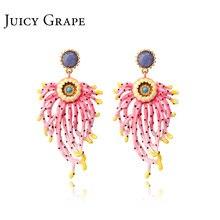 Boucles doreilles en émail, raisin juteux, chrysanthème bleu, boucles doreilles sous atmosphère exagérée, boucles doreilles féminité