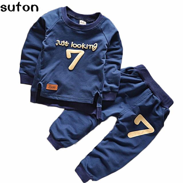 2017 Otoño Invierno Bebé Niños/Niñas Ropa Conjunto Deportes Ocasionales Cartas de Algodón Ropa Ropa Para Niños Top Camiseta + Pants 2 unids