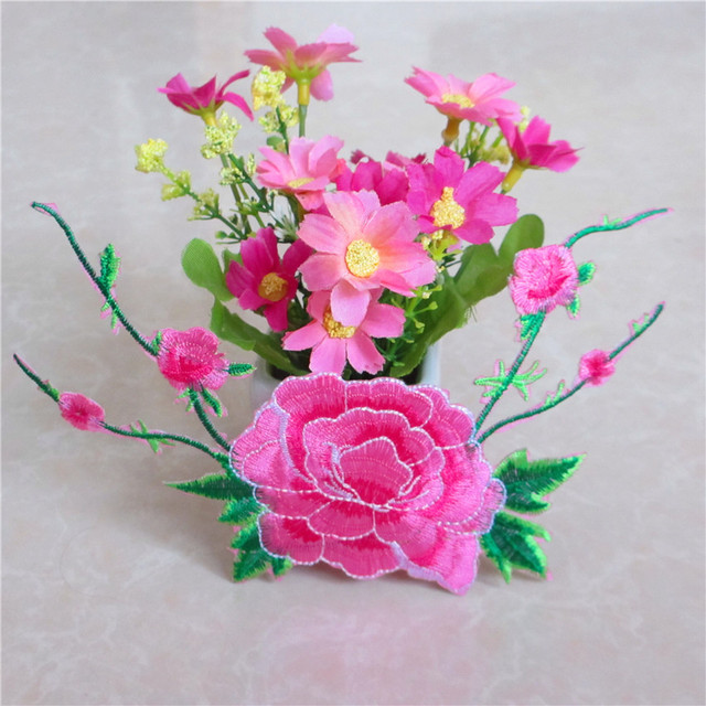 Free Shipping 1pc Nice Pink Flower Stickers Embroidered Iron On