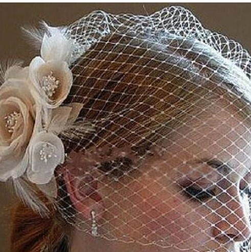 Wedding-Birdcage-Veils-Champagne-Ivory-White-Flowers-Feather-Bridal-Wedding-Hair-Pieces-Bridal-Accessories-2016-in (1)