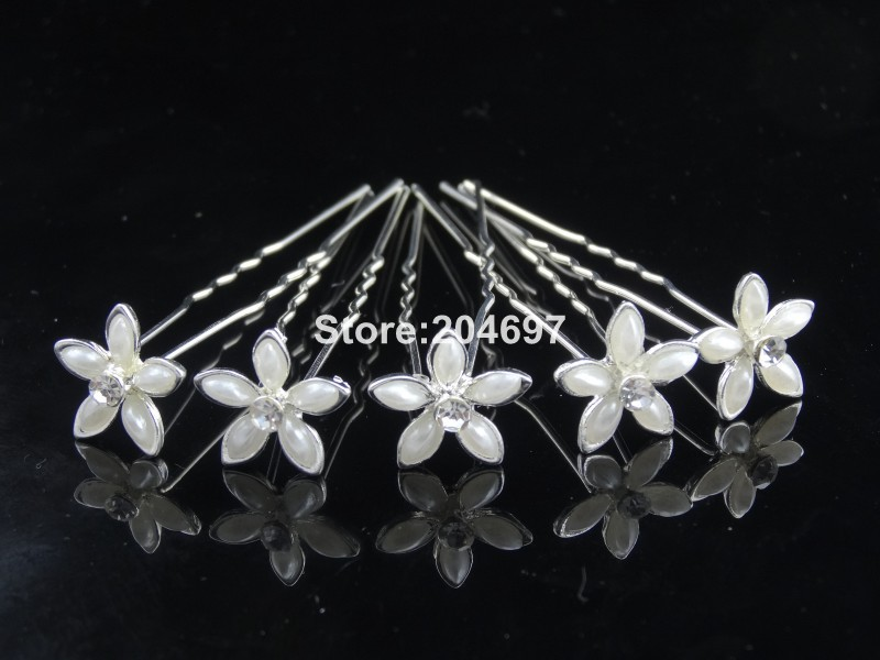 Aliexpress.com   Buy Feelgood 200pcs lot New Design White Pearl Flower Hair  Pins For Wedding Bridal Hair Accessories Wholesale from Reliable pearl  flower ... 77ed1bebbf3e