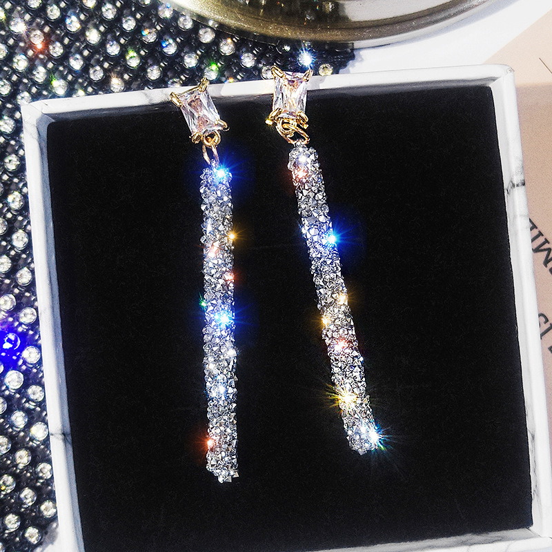 New Listing 925 Silver Needle High Personality Net Red Long Temperament Earring Crystal From Swarovskis Wedding Jewelry Gift
