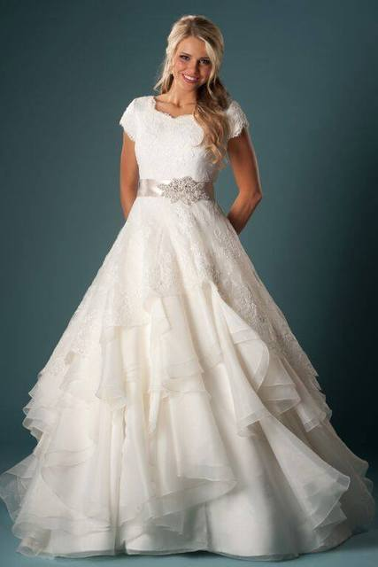 Women Modest Wedding Gown With Sleeves Ball Gown Ruffles Organza Lace With Sash Temple Wedding Dresses With Cap Sleeves