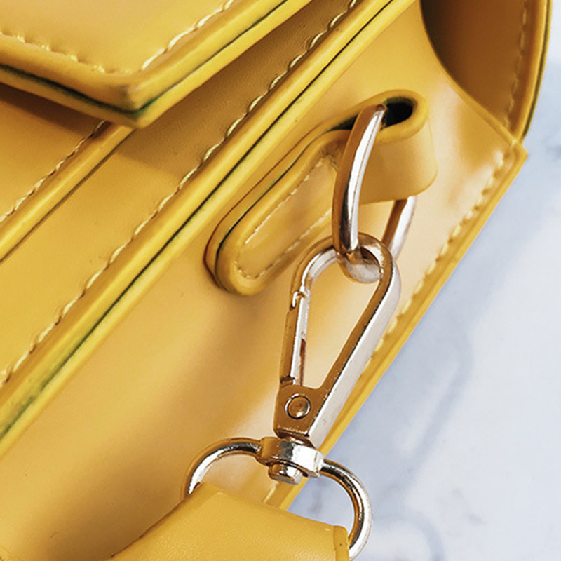 New Women Fashion Width Shoulder Bags INS Popular Female Exquisite Solid Handbag Mini Flap Lady Travel Chains Crossbody SS3474 (9)