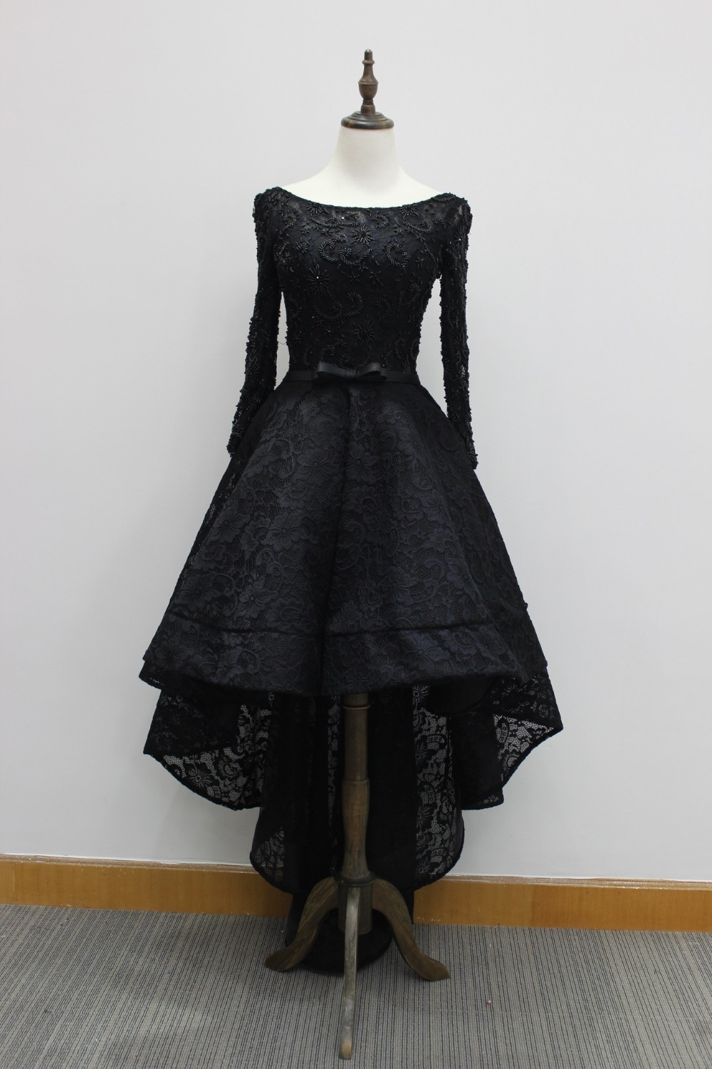Black dress for prom night - Elegant Lace Long Sleeve Evening Gown Short Front Long Back Black Prom Party Dresses Open Back