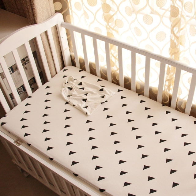 US $17.84 |1 stück Baby bett spannbetttuch schwarz weiß stil gestrickt 100%  baumwolle stoff kinderbett blatt plus Dreieck elephant für jungen ...