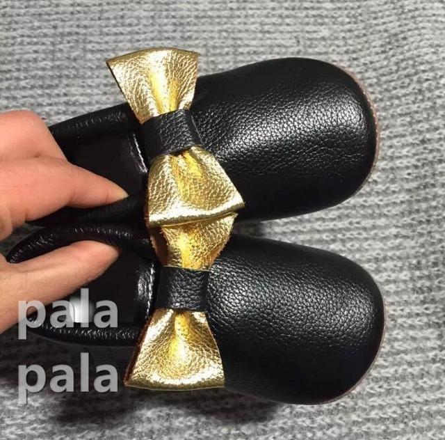 5 tamaños 10.5-14.5 cm Hermosa Infantil Lindo de la Mariposa-nudo bebé mocasines de cuero suave zapatos de suela roja zapatos de bebé