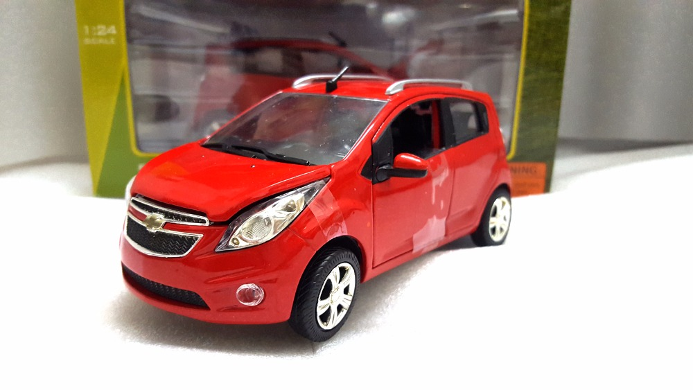 1:24 Diecast Model For Chevrolet Chevy Spark Red Minicar Alloy Toy Car Miniature Collection Gifts