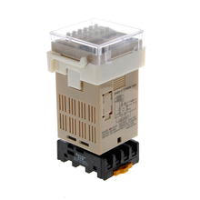 лучшая цена AC 220V Digital Precision Programmable Time Delay Relay DH48S-S With Socket Base