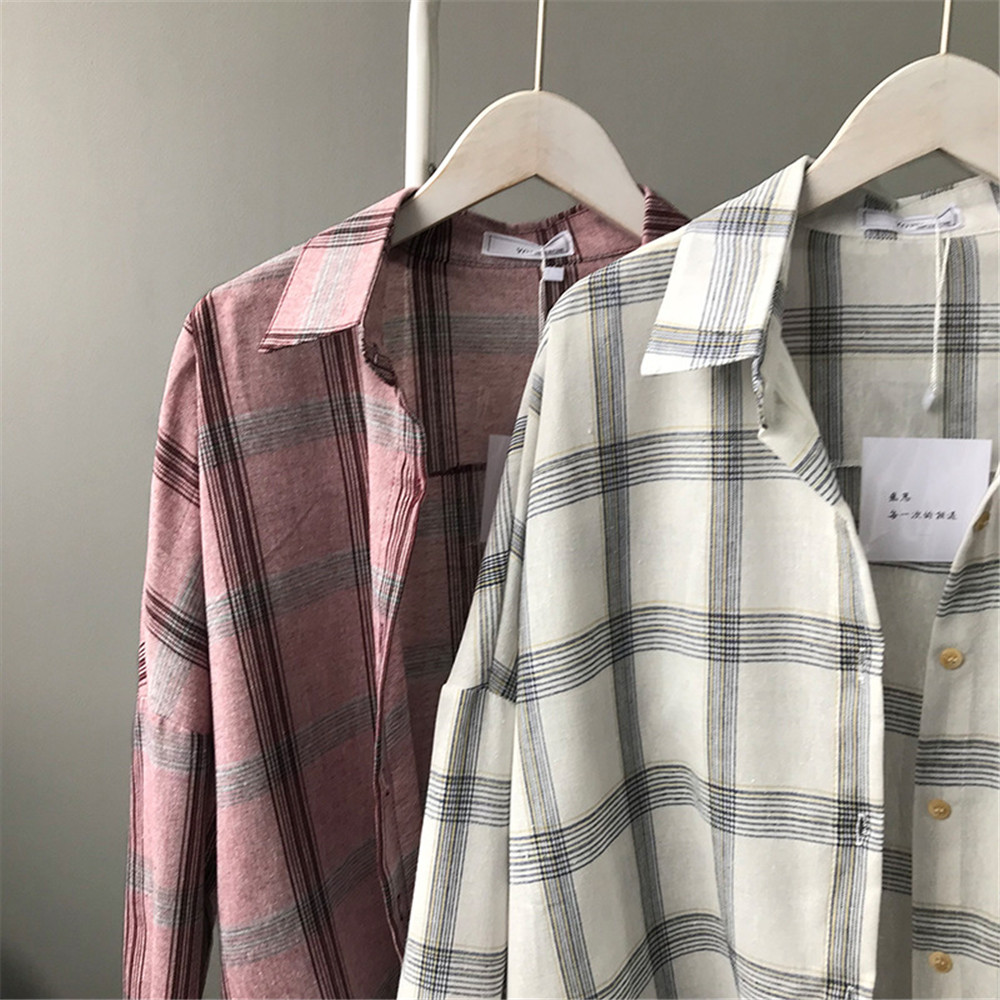 Big Loose women plaid blouses shirts 2018 Women Office Air Conditioner Blouse Shirt Female Outerwear Casual Pocket Shirts (2)