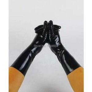 Image 1 - 2017 Nieuw Sale Hot Sexy Mannelijke Latex Effen Kleur Korte Handschoenen Vrouwen Zentai Sexy Fetish Rood Witte Handschoenen XS XXL Gratis verzending