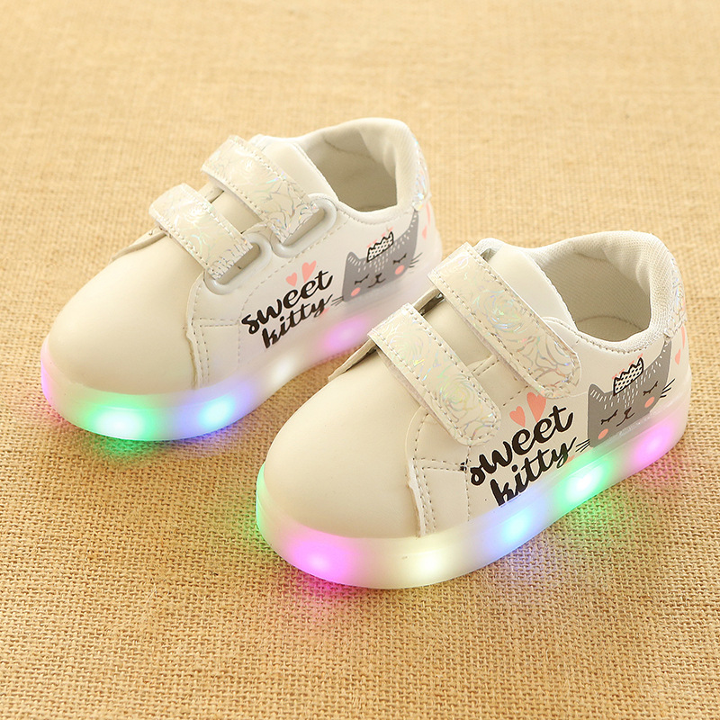 2018 New European LED lighting baby shoes hot sales girls boys shoes high quality light breathable baby glowing sneakers