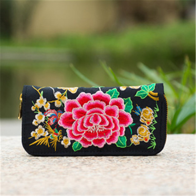 Flower Embroidered Wallet  3