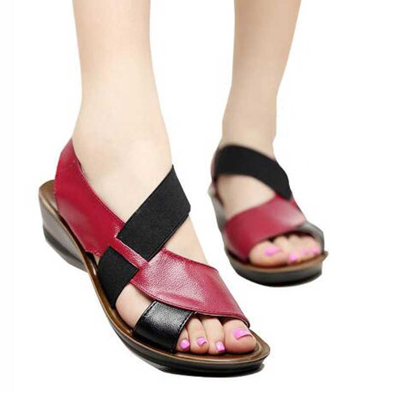 Vrouwen Sandalen Leer Zachte Bodem Moeder Sandalen Peep Toe Fashion Dames Sandalen 2019 Zomer Platte Sandalen Vrouwelijke Schoenen
