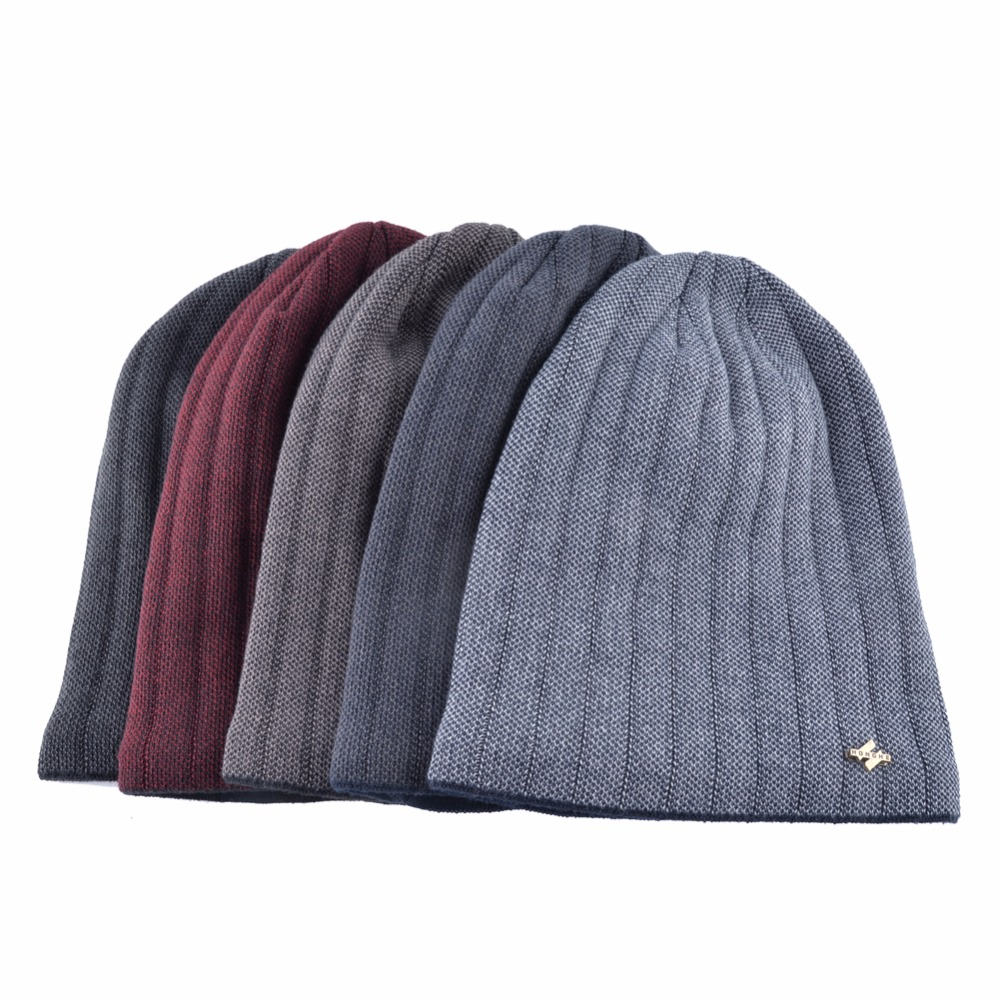 Minimalista hombres invierno de punto de lana Skullies hombre Hip Hop cap  gorros de otoño más terciopelo mantener caliente sombreros para hombres  Bonnet en ... ab7936438ca