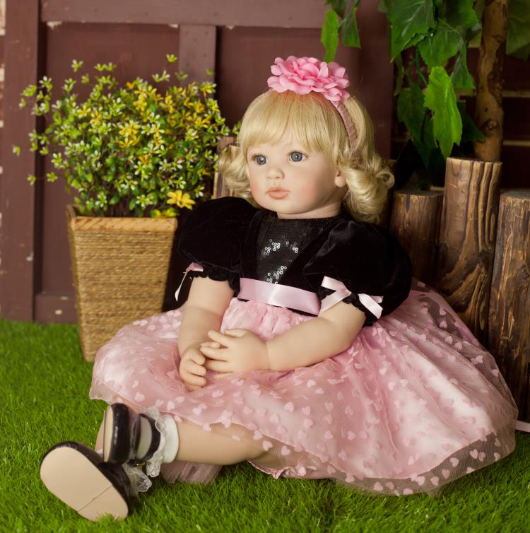 Pursue 22/56cm Reborn Baby Doll Princess Dress Blond Hair Blue Eyes Soft Cotton Body Silicone Limbs Acommpany With Child Play 22 58cm rebirth doll soft silicone eva matryoshka doll princess reborn domino dress blond kid christmas gift